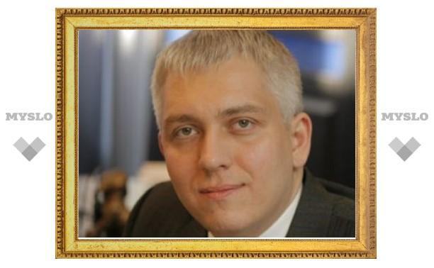Обвиняемого в мошенничестве новосибирского депутата объявили в розыск