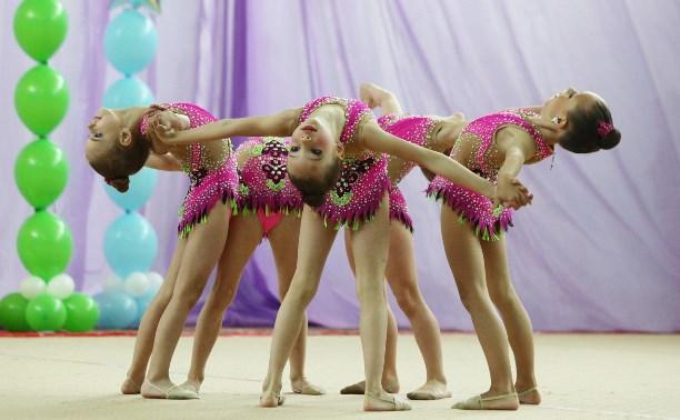 Юные гимнастки-художницы выступили на домашней арене