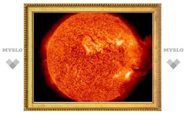 Ученые засняли необычную вспышку на Солнце