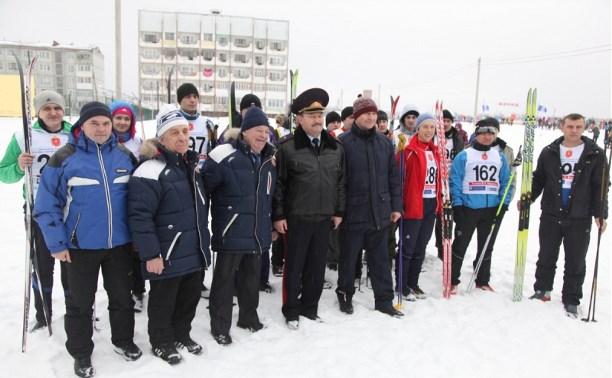 Полицейские из Тульской области борются за победу в «Лыжне Веденина – 2015»