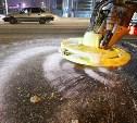 Тульские дороги усиленно обрабатывают противогололедными материалами
