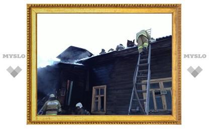 В Туле на территории храма загорелся одноэтажный дом