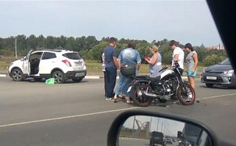 В Туле на Восточном обводе сбили мотоциклиста: видео