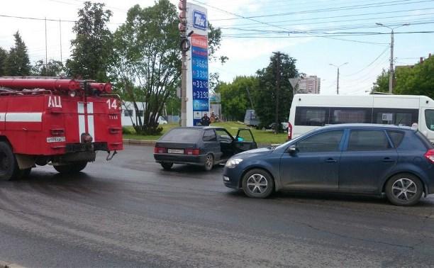В Туле на пересечении ул. Ген. Маргелова и проспекта Ленина произошло тройное ДТП