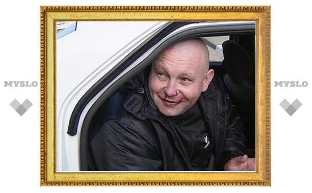 Голого виновника ДТП в Москве отправили в психбольницу