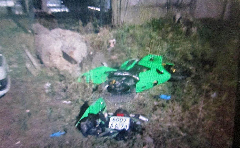 В Туле мотоциклист врезался в бетонный блок