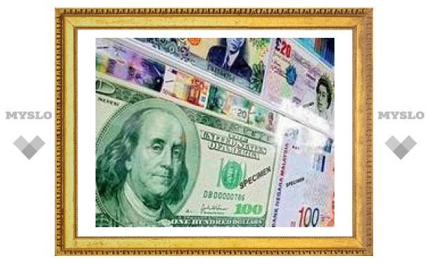 Доллар вернул утраченные за неделю позиции