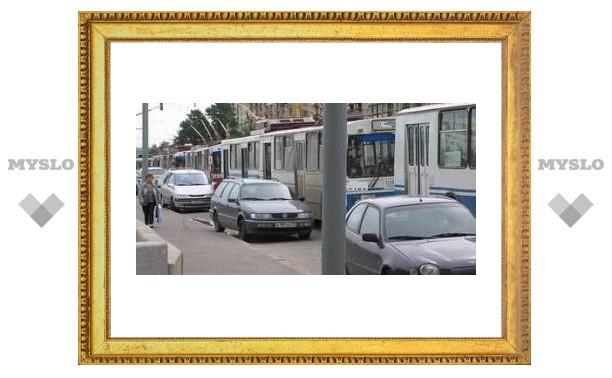 Тульский троллейбус попал в аварию