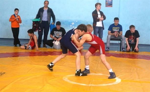 Юные тульские борцы первенствовали на турнире памяти Рогожина