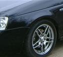 Тулячка проколола шины автомобиля, принадлежащего ее соседу