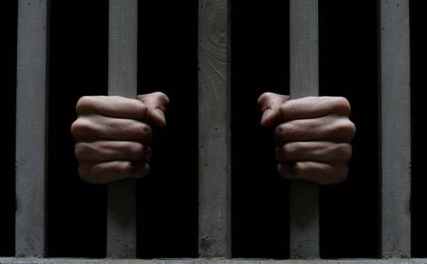 Буйный заключенный избил сотрудника колонии