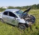 В Туле грузовик вытолкнул легковушку в кювет: пострадали женщина и ребенок