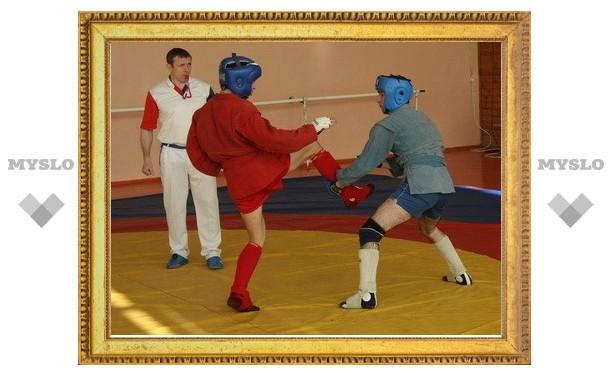 Узловские мастера боевого самбо привезли медали из Рязани