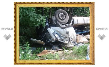 Водитель перевернувшейся фуры не пострадал