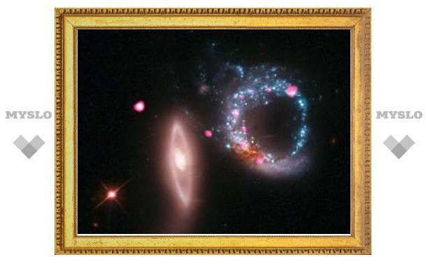 В космосе сфотографировали кольцо из черных дыр