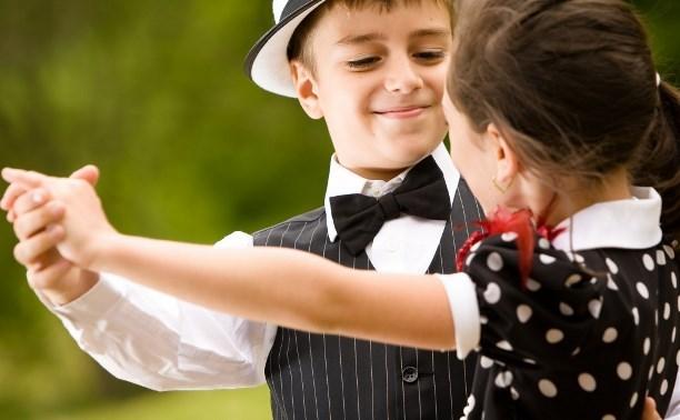 В школе третий урок физкультуры могут заменить музыкальными танцами