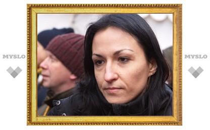 Жена Удальцова уехала из России