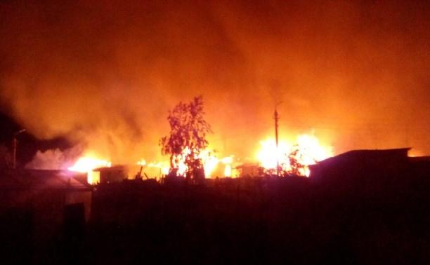 На ночном пожаре в Скуратово пострадал мужчина
