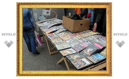 В центре Тулы торговали подростковым порно