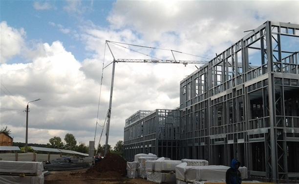 Губернатор проинспектировал строительство детсада на ул. Ушинского
