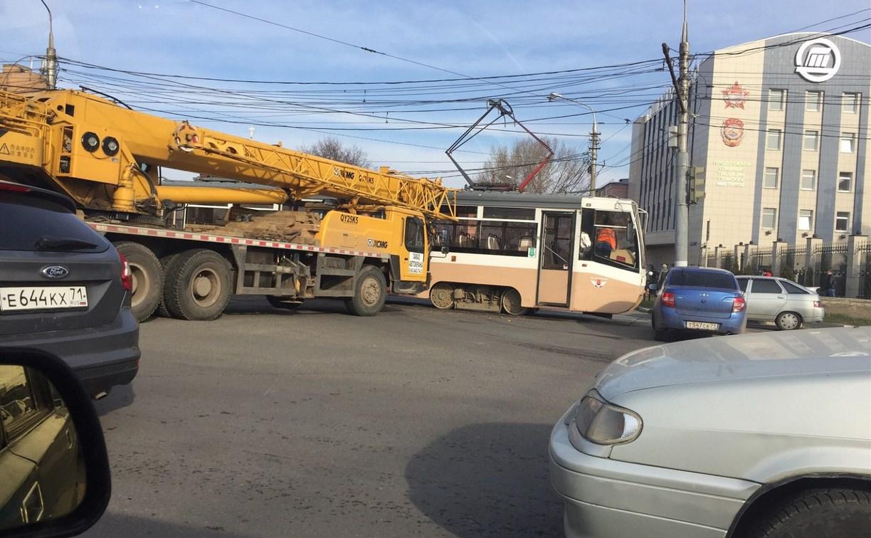 Счет за ремонт трамвая после аварии предъявят владельцам автокрана