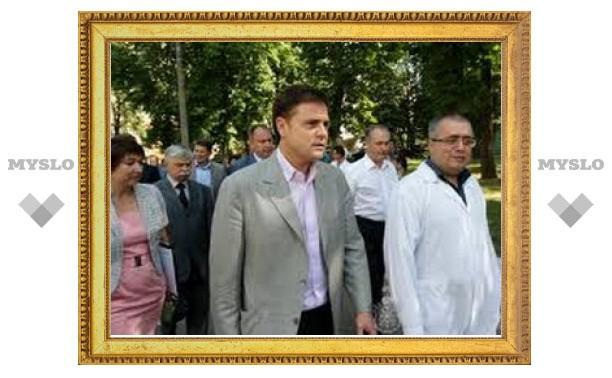 Владимир Груздев посетил Тульскую облбольницу