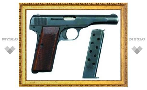 Туляк получил в наследство два пистолета и патроны