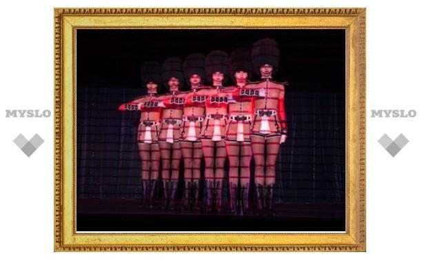 Эротическое кабаре Crazy Horse впервые приедет в Россию