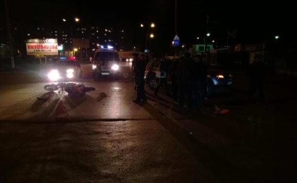 В Дубне иномарка сбила мотоцикл с двумя подростками