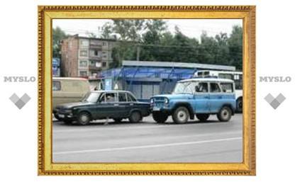 """УАЗ в центре Тулы """"поцеловал"""" """"шестерку"""""""