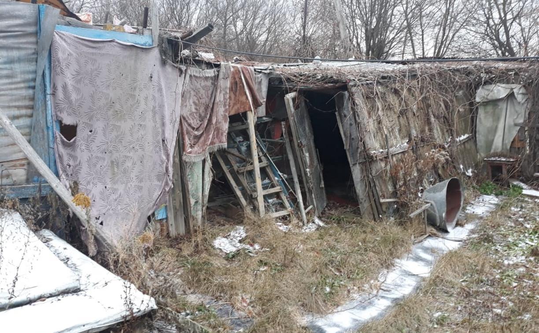 Жители пос. Бородинский: «Чиновники не сносят аварийные бараки, а мы должны убрать свои сараи?»