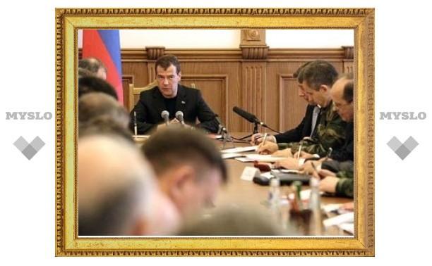 Медведев попросил СМИ аккуратней освещать теракты