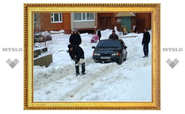 Прокуратура накажет коммунальщиков за ледяную колею во дворах