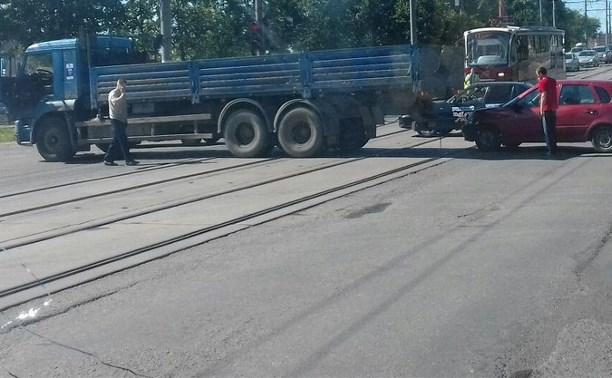 Из-за ДТП в Пролетарском районе Тулы образовалась пробка