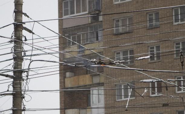 Из-за снегопада на проспекте Ленина загорелись троллейбусные провода