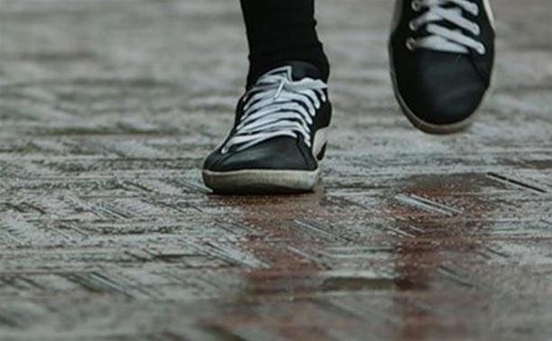 В Суворове 10-летняя девочка сбежала от пьющей матери