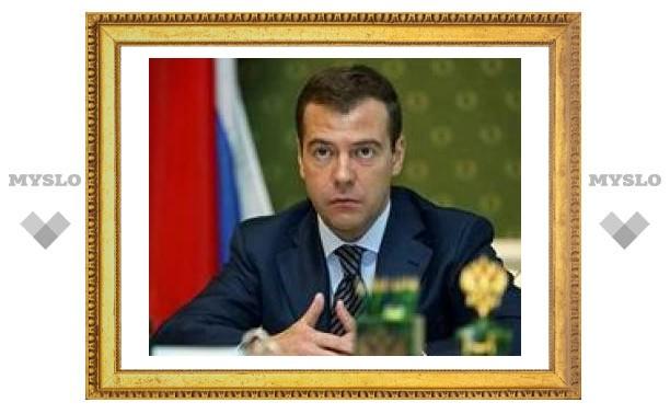 СМИ: Медведев уже переехал в Кремль, не дожидаясь инаугурации