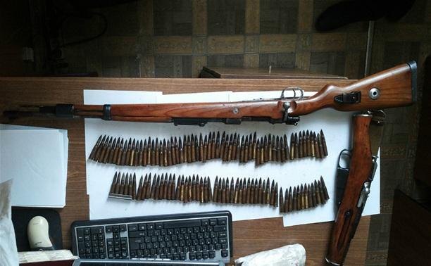 """Пенсионерка сдала полиции """"Зиг-Зауэр"""", винтовку и охотничье ружье"""