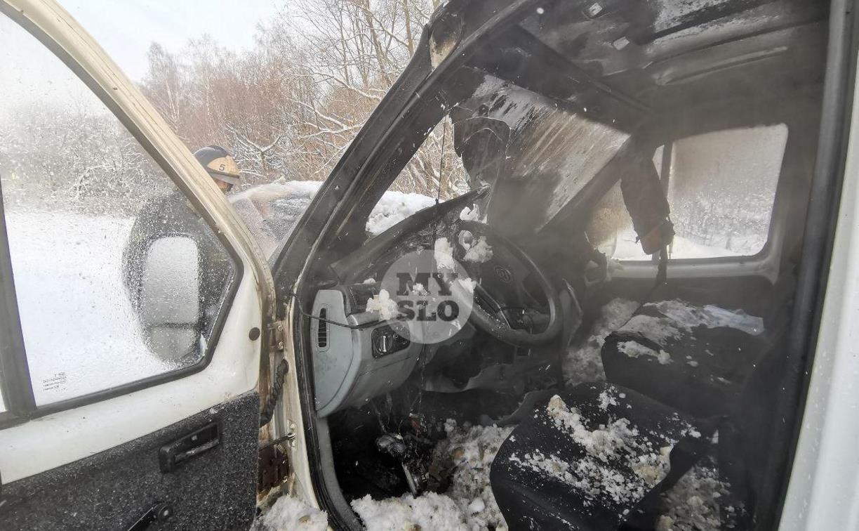 В Туле водитель бетономешалки и военные потушили горящую на трассе ГАЗель
