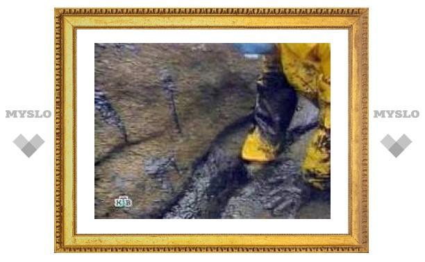 Под Оренбургом прорвало нефтепровод