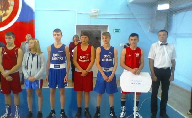 В Туле проходит Всероссийский турнир по боксу памяти Жабарова