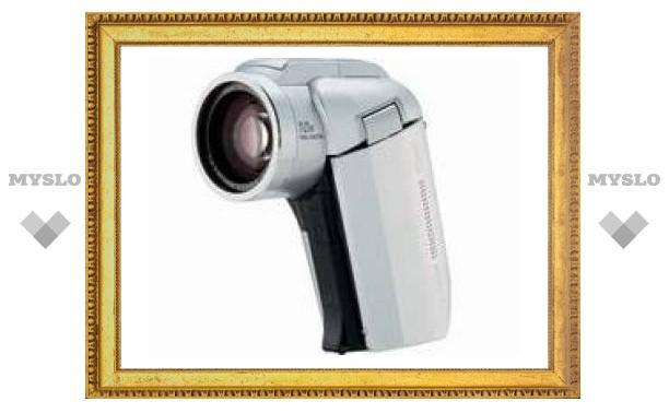 Sanyo выпустит самую компактную в мире HD-видеокамеру