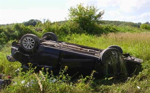 В Алексинском районе перевернулась машина