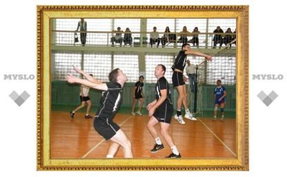 В Тульской волейбольной лиге лидер укрепил свои позиции