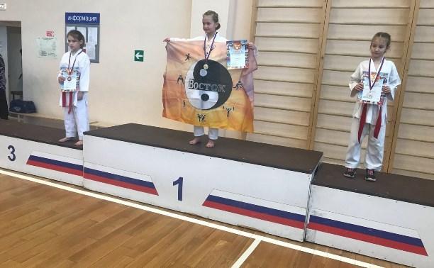 Каратисты тульской спортшколы «Восток» завоевали медали на первенстве Новомосковска