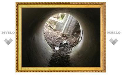 В Туле ремонтируют злополучный канализационный коллектор