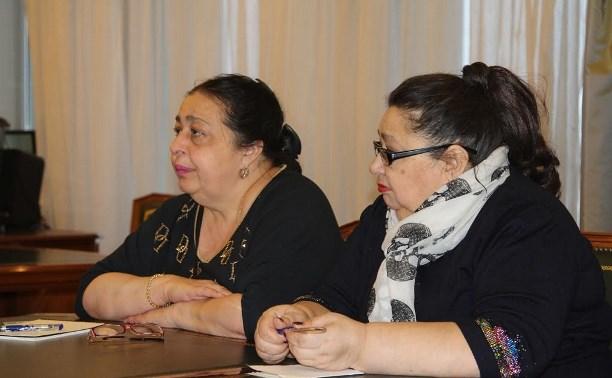 Евгений Авилов встретился с представителями цыганской общины