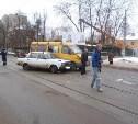 На ул. Н. Руднева столкнулись «семёрка» и маршрутка