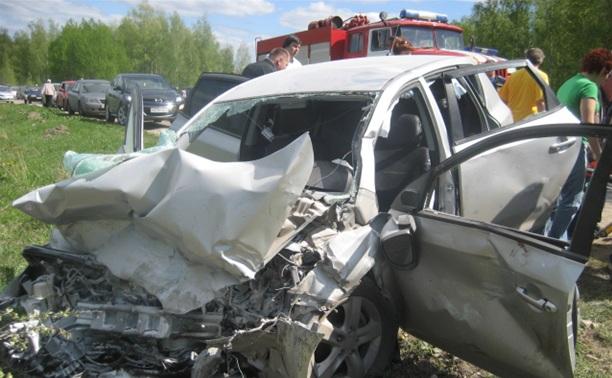 В ДТП в Ленинском районе один человек погиб, трое получили травмы