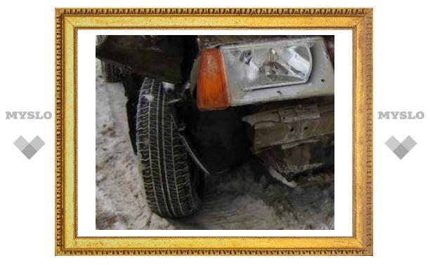 Лихач спровоцировал аварию на яснополянском мосту